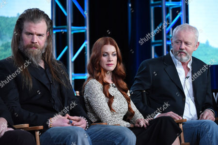 """Ryan Hurst, from left, Gillian Alexy and David Morse participate in the panel for """"Outsiders"""" at the WGN America 2016 Winter TCA, in Pasadena, Calif"""