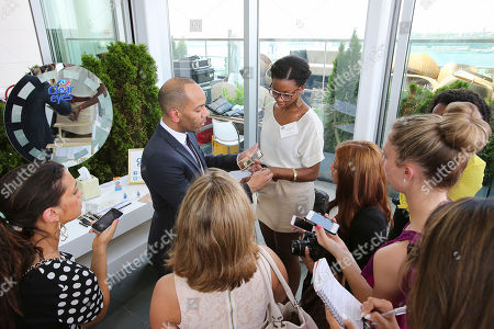 Vanessa Williams Renowned celebrity makeup artist Sam Fine demonstrates some of his secrets for beautiful eyes and makeup at a Clear Eyes event in New York City on