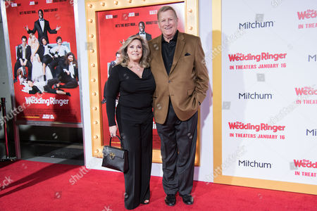 Stock Image of Linda Fetters, Ken Howard arrive at the LA Premiere Of The Wedding Ringer at the TLC Chinese Theatre, in Los Angeles, CA