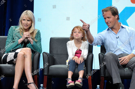 """Actress Lucy Punch, left, Actress Maggie Elizabeth Jones, and Actor Nat Faxon appear on stage at the FOX TCA panel for """"Ben And Kate"""" at the Beverly Hilton hotel, in Beverly Hills, Calif"""