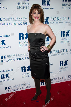 Diane Neal attends the Ripple of Hope Awards on in New York