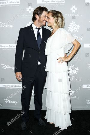 Oliver Hudson, left, and Erinn Bartlett attend the 4th Annual Baby2Baby Gala held at 3Labs, in Culver City, Calif