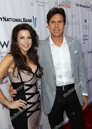 Nelson De La Nuez, right, and Stacy De La Nuez arrive at the Backstage at the Geffen gala at the Geffen Playhouse, in Los Angeles