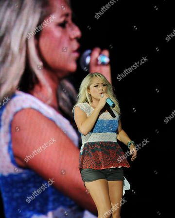 Leah Turner performs during the Country Nation Tour at the Cruzan Amphitheater on in West Palm Beach, Florida