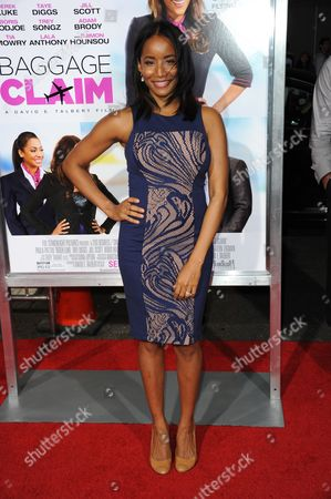 """Faune A. Chambers arrives at the world premiere of """"Baggage Claim"""" at the Premiere House at Regal Cinemas L.A. Live on in Los Angeles"""