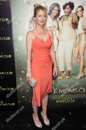 """Cynthia Watros arrives at the world premiere of """"The Single Moms Club"""", in Los Angeles"""