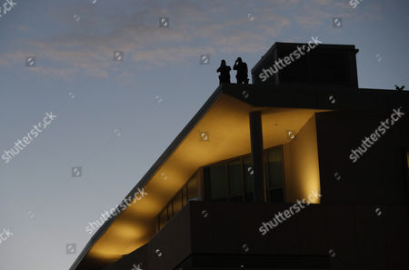 Police on top of a roof of the University of California Berkeley campus monitor protestors, where conservative speaker Ben Shapiro is speaking in the Zellerbach Hall at the UC Berkeley, in Berkeley, California, USA, 14 September 2017