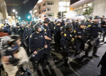 Berkeley Police in riot gear secure a street on the UC Berkeley campus where conservative speaker Ben Shapiro is speaking in Zellerbach Hall at the University of California Berkeley campus in Berkeley, California, USA, 14 September 2017.