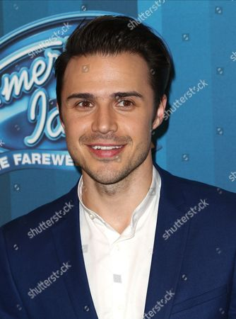 """Kris Allen arrives at the """"American Idol"""" farewell season finale at the Dolby Theatre, in Los Angeles"""