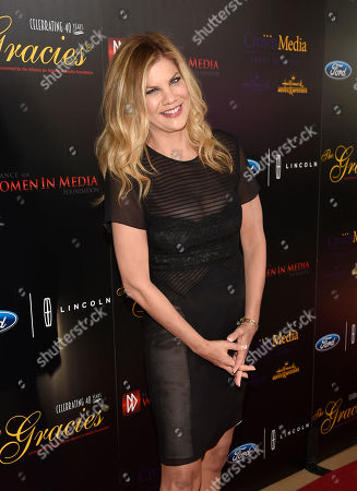 Kristen Johnston arrives at the 40th Anniversary Gracies Awards at the Beverly Hilton Hotel, in Beverly Hills, Calif