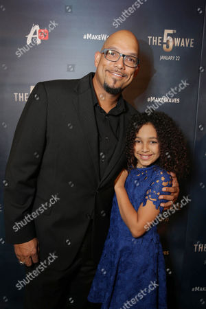 David Justice and Raquel Justice seen at AwesomenessTV special fan screening of Columbia Pictures 'The 5th Wave' at Pacific Theatres at the Grove, in Los Angeles, CA
