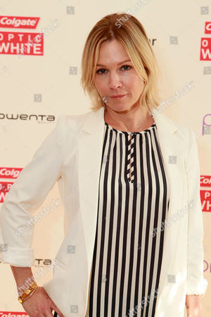 Jenny Garth at The Colgate Optic White Beauty Bar at The Selma House in Los Angeles