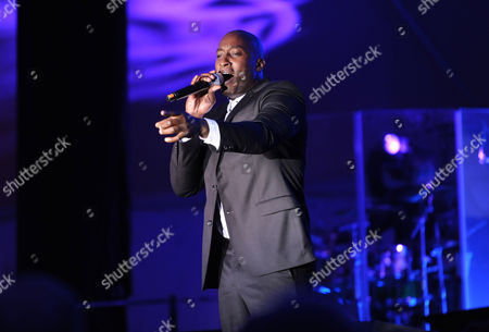 Jermaine Paul performs during the Multiple Myeloma Research Foundation at the 15th Anniversary Fall Gala supporting cancer research on in Greenwich, Conn