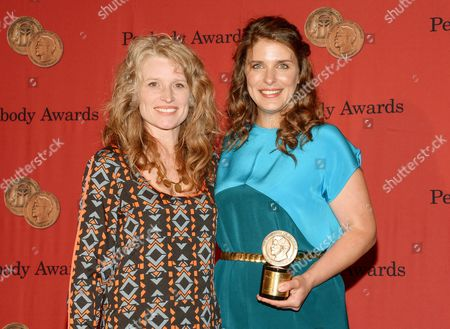 """Executive producer Amy Shumaker, left, and chef Vivian Howard from """"A Chef's Life"""" pose with their award at the 73rd Annual George Foster Peabody Awards at the Waldorf-Astoria Hotel, in New York"""