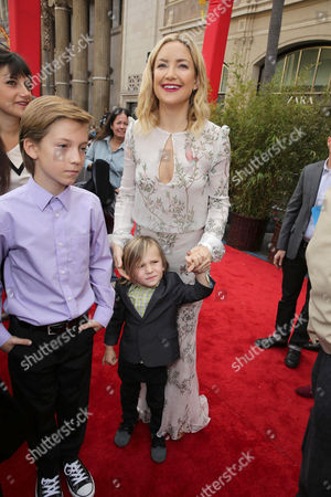 Ryder Robinson, Bingham Hawn Bellamy and Kate Hudson seen at DreamWorks Animation and Twentieth Century Fox World Premiere of 'Kung Fu Panda 3' at TCL Chinese Theater, in Hollywood, CA