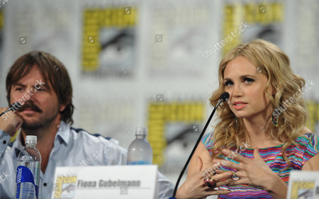 """From left, actors Jason Gann and Fiona Gubelmann attend the FX """"Wilfred"""" panel on Day 2 of Comic-Con International on in San Diego, Calif"""