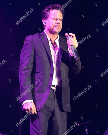 Singer-songwriter Gary Allan performs on Day 2 of the 2015 Big Barrel Country Music Festival at The Woodlands, in Dover, Del