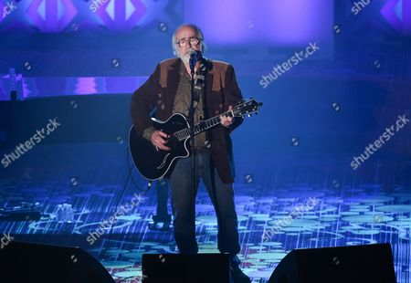 Honoree Robert Hunter performing at the 46th Annual Songwriters Hall Of Fame Induction and Awards Gala at the Marriott Marquis, in New York
