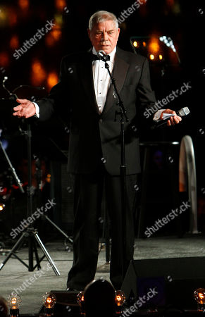 Tom T. Hall speaks after receiving the Icon Award at the 60th Annual BMI Country Awards, in Nashville
