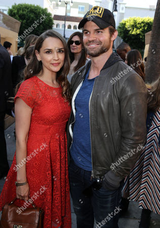 """Rachel Leigh Cook and Daniel Gillies seen at the Warner Bros. and Metro-Goldwyn-Mayer """"MAX"""" Los Angeles Premiere on"""