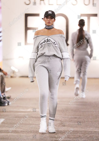 Cora Corre on the catwalk