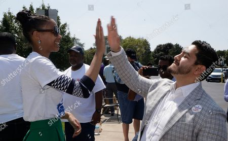 Abdul Ed Sayed. Dr. Abdul El-Sayed high-fives supporter Sonique Watson in Detroit. Perhaps no state has embraced the political outsider as much as Michigan. But El-Sayed, a 32-year-old liberal doctor, is putting that affinity for newcomers to the test by mounting a surprisingly strong bid to become the nation's first Muslim governor
