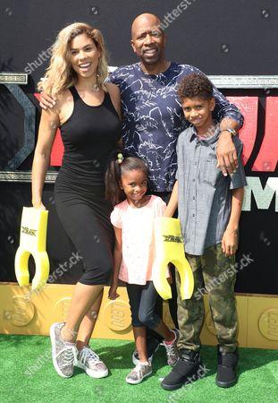 Gwendolyn Osborne, Kenny Smith and family