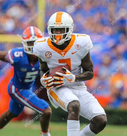 Sep. 16, Tennessee Volunteers wide receiver Brandon Johnson (7) runs the ball after a catch during the 1st half of an NCAA football game against the Florida Gators at University of Florida, in Gainesville, Fla