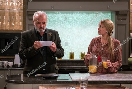 Ep 7941 Wednesday 20th September 2017 When a letter arrives from Ronnie in Brussels Lawrence White's, as played by John Bowe, hopes are raised but it's not the news he wants