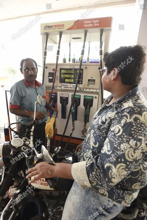 Delhi congress workers start a signature campaign to protest against the unprecedented hike in the prices of petrol and diesel at the Petrol Pump, near Zakir Hussain College, on September 17, 2017 in New Delhi, India.