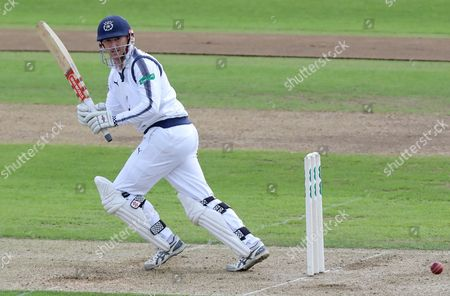 George Bailey of Hampshire sets off for a quick single during Hampshire CCC vs Essex CCC, Specsavers County Championship Division 1 Cricket at the Ageas Bowl on 19th September 2017