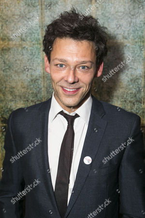 Richard Coyle (Larry Lamb)