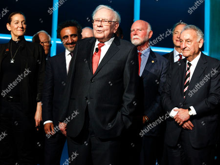 Martine Rothblatt, Hamdi Ulukaya, Warren Buffett, Craig Venter, Ray Dalio, Sandy Weill. Martine Rothblatt, from left, Hamdi Ulukaya, Warren Buffett, Craig Venter, Ray Dalio, and Sandy Weill