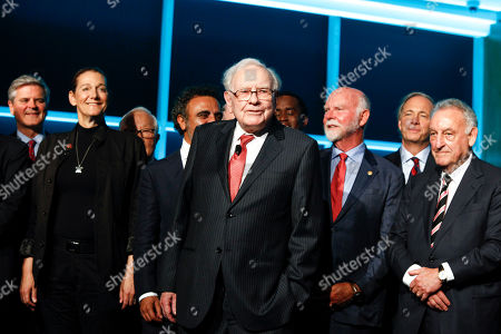 Steve Case, Martine Rothblatt, Hamdi Ulukaya, Warren Buffett, Craig Venter, Ray Dalio, Sandy Weill. Steve Case, from left, Martine Rothblatt, Hamdi Ulukaya, Warren Buffett, Craig Venter, Ray Dalio, and Sandy Weill