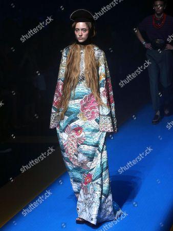 Lia Pavlova on the catwalk