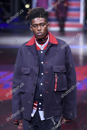 Stock Picture of Sheani Gist on the catwalk