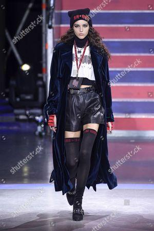Emm Arruda on the catwalk