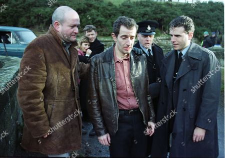 Richard Graham (as Pete Atkins), Tricia Penrose (as Gina Ward), Mark Jordon (as PC Phil Bellamy), Carl Cieka (as Brian Tranter), Philip Franks (as Sergeant Craddock), and Jason Durr (as PC Mike Bradley)