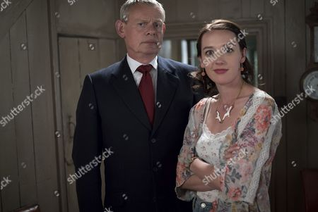 (SR8: Ep4) - Martin Clunes as Doc Martin and Jessica Ransom as Morwenna Newcross