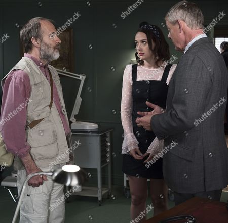(SR8: Ep4) - Kevin Doyle as Jack Newcross, Jessica Ransom as Morwenna Newcross and Martin Clunes as Doc Martin