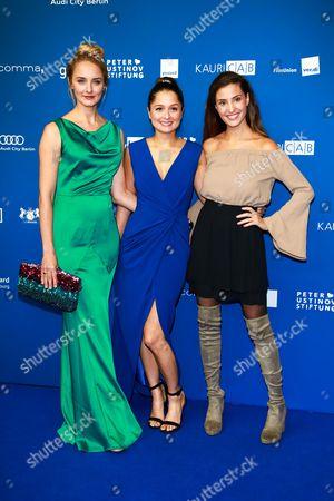 Anne-Catrin Maerzke, Sarah Alles and Nadine Menz