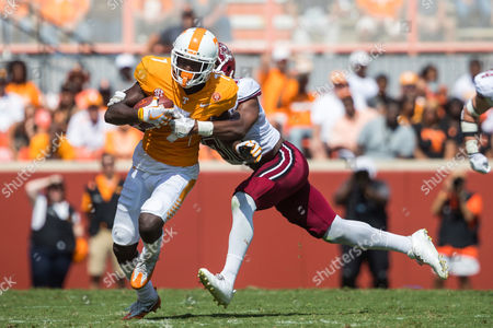 Brandon Johnson #7 of the Tennessee Volunteers runs after a catchduring the NCAA Football game between the University of Tennessee Volunteers and the University of Massachusetts Minuteman at Neyland Stadium in Knoxville, TN Tim Gangloff/CSM