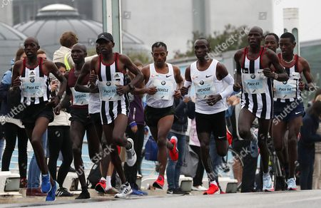 The leading pack with Ethiopians Wilson Kipsang (2-R), and Kenenisa Bekele (4-L) and Eliud Kipchoge (3-R) in action in the Berlin Marathon in Berlin, Germany, 24 September 2017. Over 44 000 athletes have taken the start on the 44th edition of the race in the capital.