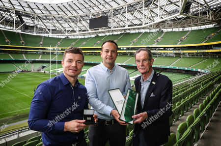 Finishing touches - Dick Spring (Ireland 2023 Bid Chairman) presents Taoiseach Leo Varadkar and Brian O?Driscoll with Ireland 2023 ties and tie-pins as they go through the final preparations for tomorrow?s crucial Rugby World Cup bid presentation to World Rugby, in London. Ireland will propose a ?tournament like no other, full or Irish spirit and commercial success?. The Ireland bid team are confident that their bid is the most lucrative and secure ever presented for a Rugby World Cup, with support and guarantees from the governments of Ireland and Northern Ireland offering an unsurpassable opportunity for World Rugby to host the 2023 tournament to another first time host. Pictured (L-R) Brian O'Driscoll, Taoiseach Leo Varadkar and Dick Spring (Ireland 2023 Bid Chairman)