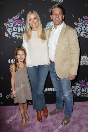 Stock Picture of Sienna Drescher, Aviva Drescher and Reid H. Drescher