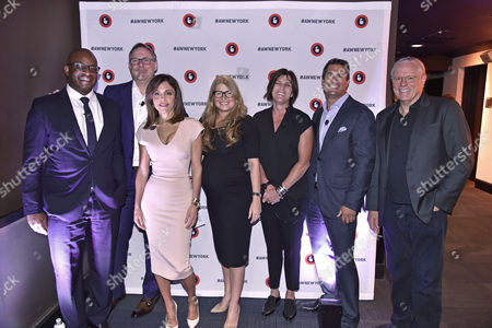 Frank Cooper III (CMO, BlackRock), Rick Welday (President, ATandT AdWorks), Bethenny Frankel (CEO and Founder, Skinnygirl), Maria Mandel Dunsche (VP, Head of Marketing, ATandT AdWorks), Megan Clarken (President, Watch, Nielsen), Nick Troiano (CEO, Cross MediaWorks), Jeff Goodby (Silverstein and Partners, Co-Chairman and Partner, Goodby)