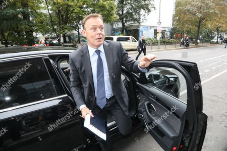 Thomas Oppermann, chairman of the Social Democrats (SPD) parliamentary group, arrives to the board meeting of SPD in Berlin, Germany, 25 September 2017. According to federal election commissioner more than 61 million people were eligible to vote in the elections for a new federal parliament, the Bundestag, in Germany.