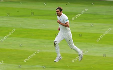 Steve Finn of Middlesex runs up to bowl during the 1st Day of the Division 1 Specsavers County Championship match between Somerset and Middlesex at The Cooper Associates County Ground, Taunton 25th September 2017(