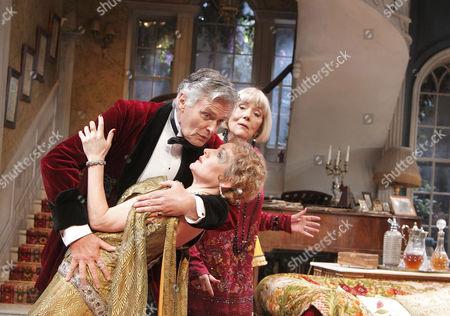 Simon Williams (David Bliss), Caroline Langrishe (Myra Arundel), Diana Rigg (Judith Bliss)