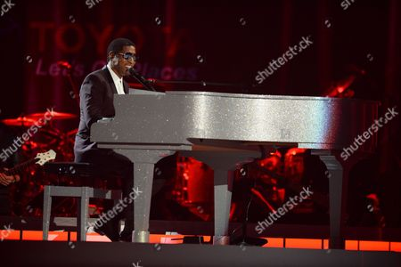 Stock Image of Kenny 'Babyface' Edmonds and Tevin Campell perform at the 2015 Soul Train Awards at the Orleans Arena on Friday, Nov. 6th, 2015, in Las Vegas